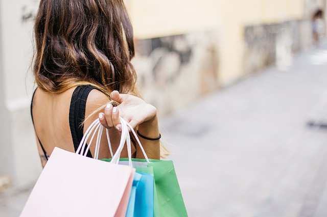 slečna po nákupech